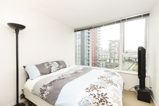 Photo 2: 906 33 SMITHE STREET in Vancouver: Yaletown Condo for sale (Vancouver West)  : MLS®# R2039702