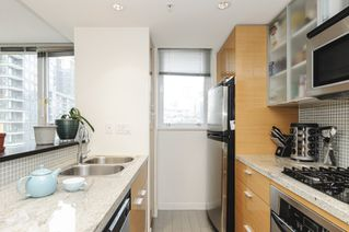 Photo 9: 906 33 SMITHE STREET in Vancouver: Yaletown Condo for sale (Vancouver West)  : MLS®# R2039702