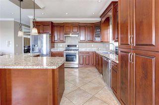 Photo 8: Coquitlam: Condo for sale : MLS®# R2067583
