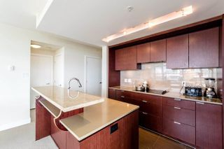 Photo 16: 403 1320 CHESTERFIELD AVENUE in North Vancouver: Central Lonsdale Condo for sale : MLS®# R2092309