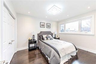 Photo 5: 2 Ravenrock Crt in Toronto: Parkwoods-Donalda Freehold for sale (Toronto C13)  : MLS®# C3762824