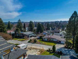 Photo 3: 5315 IVAR PLACE in Burnaby: Deer Lake Place House for sale (Burnaby South)  : MLS®# R2368666