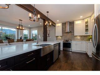 Photo 7: 42263 ELIZABETH AVENUE in Chilliwack: Yarrow House for sale : MLS®# R2333492