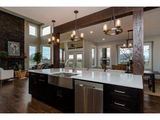 Photo 8: 42263 ELIZABETH AVENUE in Chilliwack: Yarrow House for sale : MLS®# R2333492
