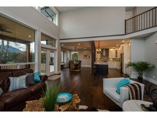 Photo 5: 42263 ELIZABETH AVENUE in Chilliwack: Yarrow House for sale : MLS®# R2333492