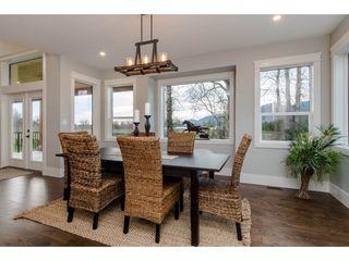 Photo 10: 42263 ELIZABETH AVENUE in Chilliwack: Yarrow House for sale : MLS®# R2333492