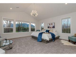Photo 13: 42263 ELIZABETH AVENUE in Chilliwack: Yarrow House for sale : MLS®# R2333492