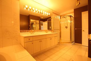 Photo 8:  in : Vancouver West Condo for rent : MLS®# AR061B