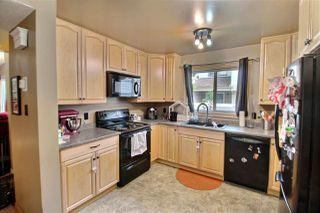 Photo 3: 28 WOODVALE Village in Edmonton: Zone 29 Townhouse for sale : MLS®# E4168726