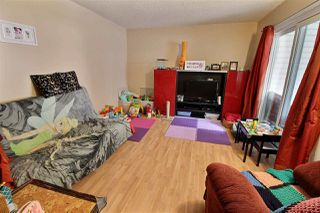 Photo 2: 28 WOODVALE Village in Edmonton: Zone 29 Townhouse for sale : MLS®# E4168726