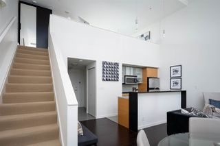 Photo 1: 301 29 SMITHE MEWS in Vancouver: Yaletown Condo for sale (Vancouver West)  : MLS®# R2411644