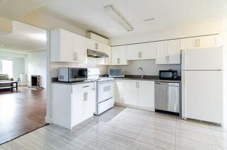 Photo 10: 7580 4TH Street in Burnaby: East Burnaby House 1/2 Duplex for sale (Burnaby East)  : MLS®# R2474331