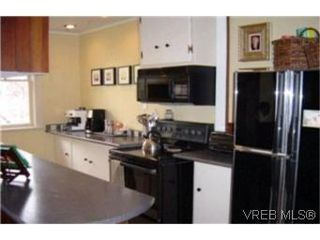 Photo 4:  in VICTORIA: SW Tillicum House for sale (Saanich West)  : MLS®# 363005