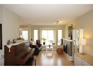 "Photo 3: 27 7370 STRIDE Avenue in Burnaby: Edmonds BE Townhouse for sale in ""MAPLEWOOD TERRACE"" (Burnaby East)  : MLS®# V938567"