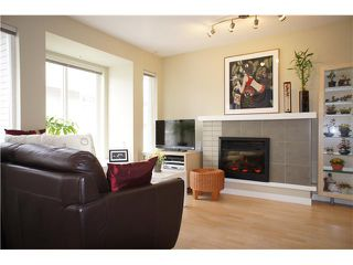 "Photo 4: 27 7370 STRIDE Avenue in Burnaby: Edmonds BE Townhouse for sale in ""MAPLEWOOD TERRACE"" (Burnaby East)  : MLS®# V938567"