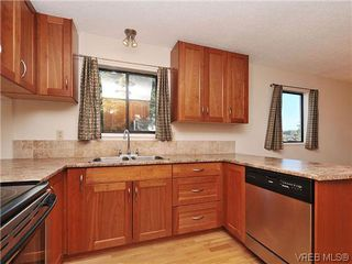 Photo 7: 6 4350 West Saanich Rd in VICTORIA: SW Royal Oak Row/Townhouse for sale (Saanich West)  : MLS®# 634889