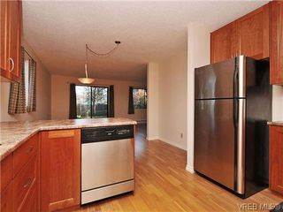 Photo 6: 6 4350 West Saanich Road in VICTORIA: SW Royal Oak Townhouse for sale (Saanich West)  : MLS®# 321067