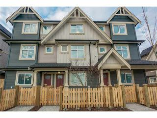 Photo 2: 17 6033 Williams Rd in Richmond: Woodwards Townhouse for sale : MLS®# V1101989