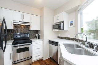 Photo 6: 1461 WALNUT STREET in Vancouver: Kitsilano Townhouse for sale (Vancouver West)  : MLS®# R2061497