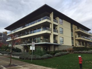 Photo 1: 204 15747 MARINE DRIVE: White Rock Condo for sale (South Surrey White Rock)  : MLS®# R2121434