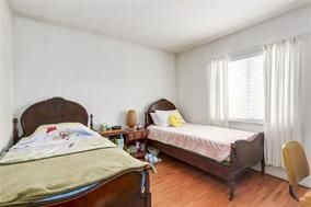 Photo 4: 5748 SOPHIA STREET in Vancouver: Main House for sale (Vancouver East)  : MLS®# R2212717