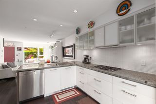 """Photo 6: 212 1961 COLLINGWOOD Street in Vancouver: Kitsilano Townhouse for sale in """"Viridian Green"""" (Vancouver West)  : MLS®# R2390019"""