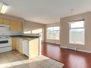 """Photo 8: 212 5625 SENLAC Street in Vancouver: Killarney VE Townhouse for sale in """"Killarney Villas"""" (Vancouver East)  : MLS®# R2418906"""