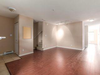 """Photo 7: 212 5625 SENLAC Street in Vancouver: Killarney VE Townhouse for sale in """"Killarney Villas"""" (Vancouver East)  : MLS®# R2418906"""