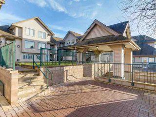 """Photo 5: 212 5625 SENLAC Street in Vancouver: Killarney VE Townhouse for sale in """"Killarney Villas"""" (Vancouver East)  : MLS®# R2418906"""