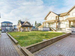 """Photo 3: 212 5625 SENLAC Street in Vancouver: Killarney VE Townhouse for sale in """"Killarney Villas"""" (Vancouver East)  : MLS®# R2418906"""