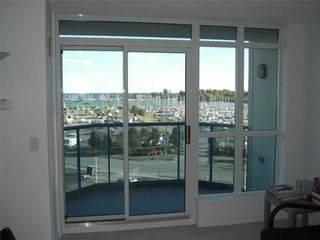Photo 3: 504 340 Watson Street in Whitby: Port Whitby Condo for lease : MLS®# E4655787