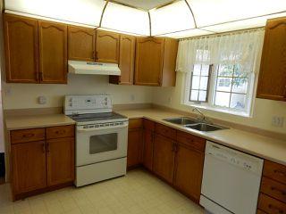 Photo 6: 947 Youville Drive in Edmonton: Zone 29 House Half Duplex for sale : MLS®# E4182684
