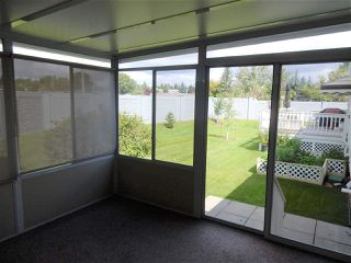 Photo 7: 947 Youville Drive in Edmonton: Zone 29 House Half Duplex for sale : MLS®# E4182684