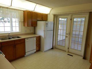 Photo 5: 947 Youville Drive in Edmonton: Zone 29 House Half Duplex for sale : MLS®# E4182684