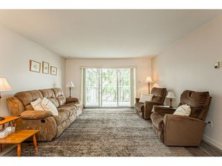 """Photo 4: 220 32833 LANDEAU Place in Abbotsford: Central Abbotsford Condo for sale in """"Park Place"""" : MLS®# R2471741"""