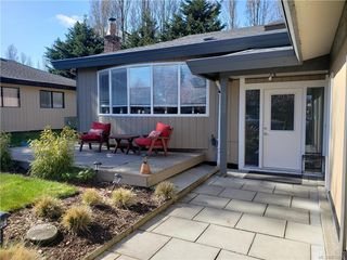 Photo 4: 10306 Gabriola Pl in Sidney: Si Sidney North-East Single Family Detached for sale : MLS®# 835055
