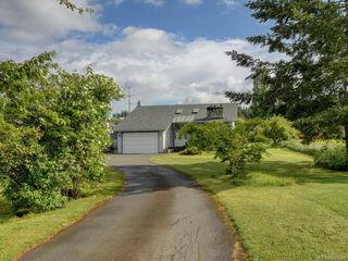 Main Photo: 1671 Kersey Rd in Central Saanich: CS Keating Single Family Detached for sale : MLS®# 839949