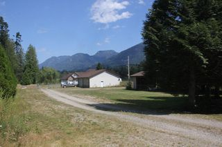 Photo 4: 25330 TRANS CANADA Highway in Yale: Yale - Dogwood Valley House for sale (Hope)  : MLS®# R2487134