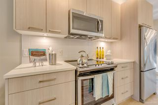 Photo 3: 213 7001 ROYAL OAK Avenue in Burnaby: Metrotown Townhouse for sale (Burnaby South)  : MLS®# R2495753