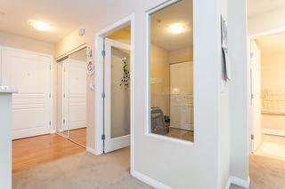 Photo 8: 205 15188 22 AVENUE in MUIRFIELD GARDENS: Sunnyside Park Surrey Home for sale ()  : MLS®# R2125258