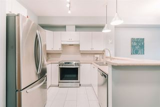 """Photo 3: 109 18 SMOKEY SMITH Place in New Westminster: GlenBrooke North Condo for sale in """"The Crofton"""" : MLS®# R2525149"""