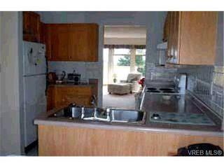 Photo 9: 16 909 Admirals Rd in VICTORIA: Es Esquimalt Row/Townhouse for sale (Esquimalt)  : MLS®# 313023
