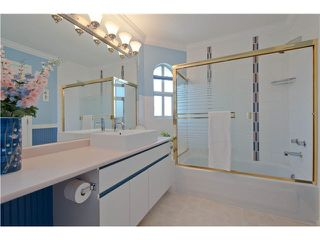 """Photo 17: 28 6211 W BOUNDARY Drive in Surrey: Panorama Ridge Townhouse for sale in """"LAKEWOOD HEIGHTS"""" : MLS®# F1421128"""
