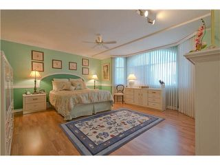 "Photo 12: 28 6211 W BOUNDARY Drive in Surrey: Panorama Ridge Townhouse for sale in ""LAKEWOOD HEIGHTS"" : MLS®# F1421128"