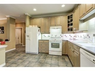 Photo 10: 313 3280 PLATEAU BOULEVARD in Coquitlam: Westwood Plateau Condo for sale : MLS®# R2027215