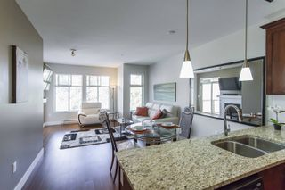 Photo 2: 407-2330 Shaughnessy St in Port Coquitlam: Central Pt Coquitlam Condo for sale : MLS®# R2278385