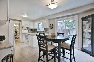 Photo 2: 1385 Edgeware Rd in : 1005 - FA Falgarwood FRH for sale (Oakville)  : MLS®# 30508181