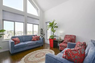 Photo 1: 417 15322 101 AVENUE in Surrey: Guildford Condo for sale (North Surrey)  : MLS®# R2364772