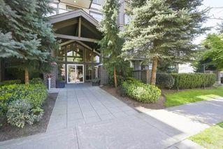 Photo 3: 417 15322 101 AVENUE in Surrey: Guildford Condo for sale (North Surrey)  : MLS®# R2364772