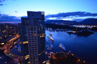 "Photo 19: 2901 1281 W CORDOVA Street in Vancouver: Coal Harbour Condo for sale in ""Callisto"" (Vancouver West)  : MLS®# R2389062"